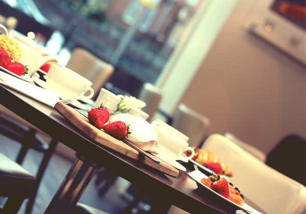 05-RESTLESS-DESIGN-CAFE-BAR-ESPRESSO-STRAWBERRIES-AND-CREAM