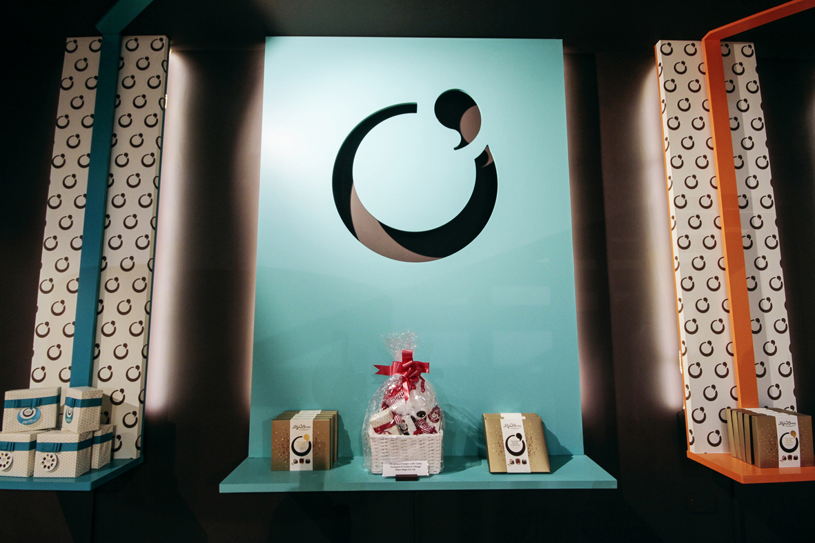 09-restless-design-lily-obriens-kildare-village-chocolate-shop-interiors-chocolate-box-counter-retail-display